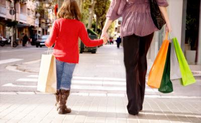 Moeder aan het shoppen