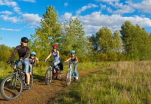 Gezinssport, met hele gezin gezond bezig zijn.